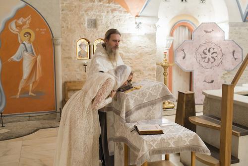 крещение в свято-елисаветинском монастыре