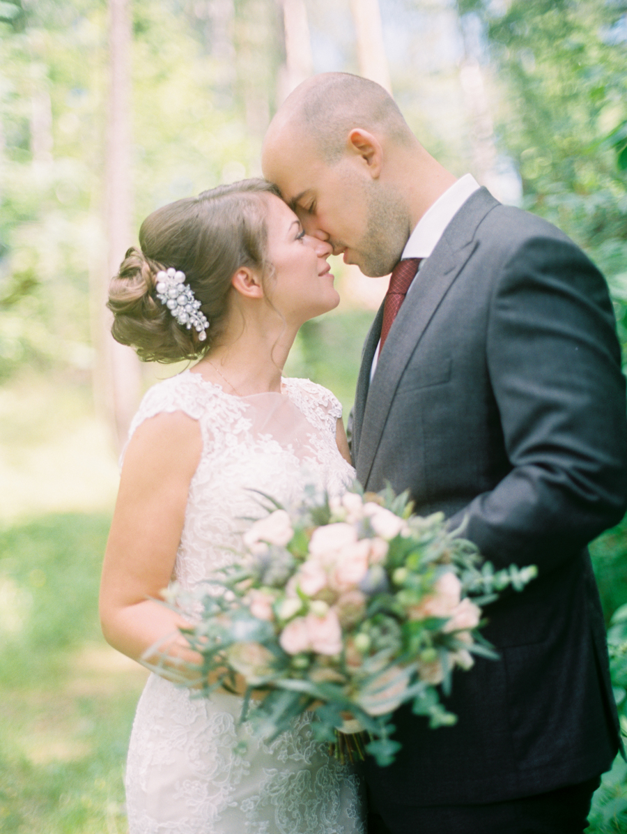 Rustic wedding with horses and owl in Dobromysli Film