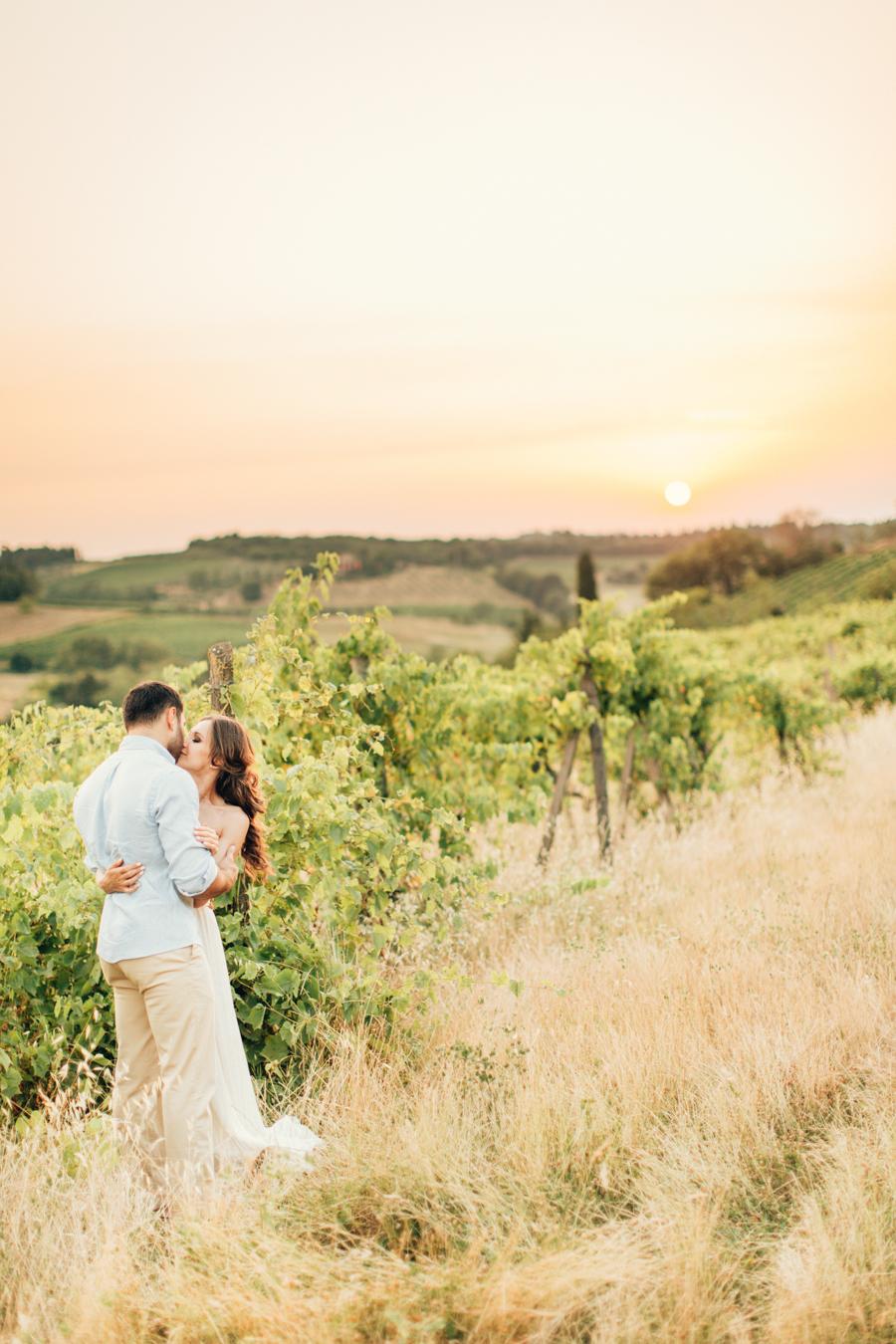 Tuscan hills engagement