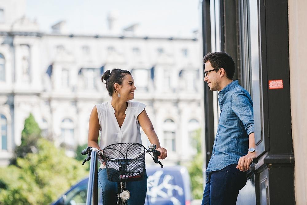 Влюбленные на велосипеде в Париже