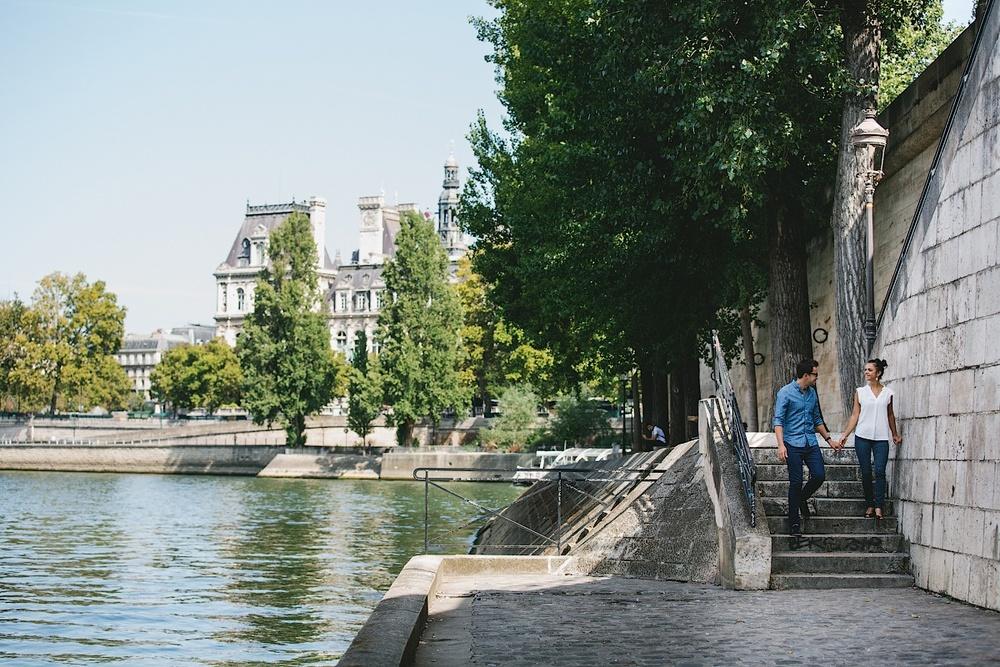 Вид на Сену с острова Сите в Париже