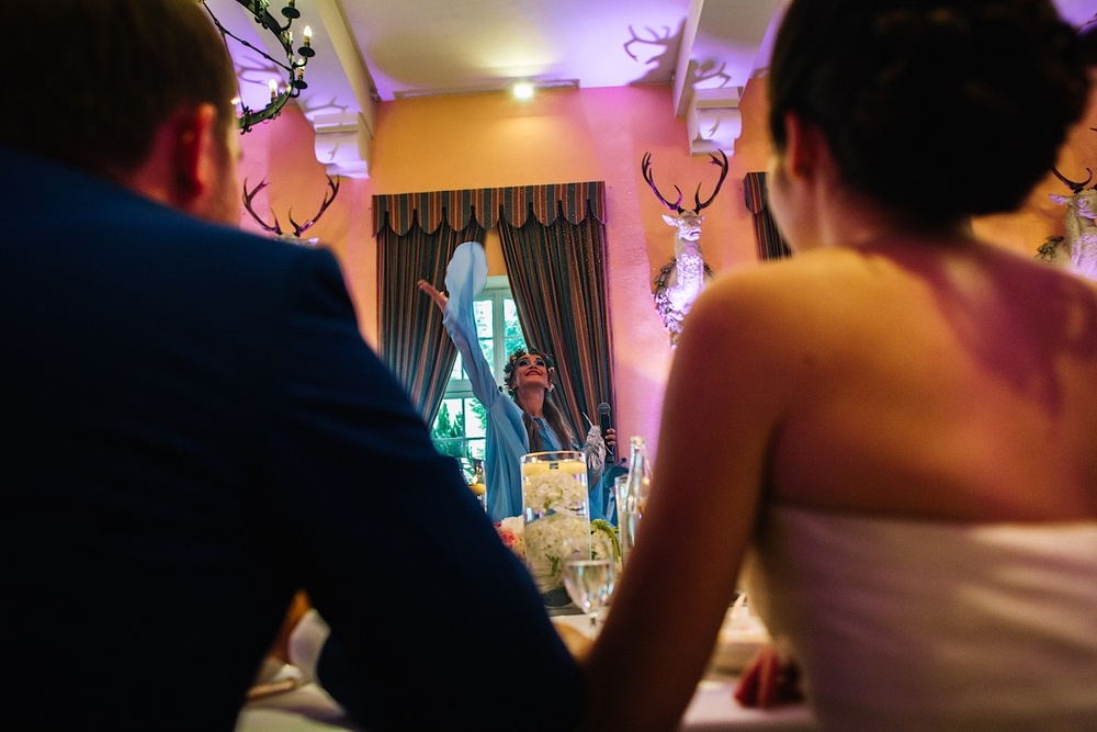 Фея на свадьбе русской пары во Франции