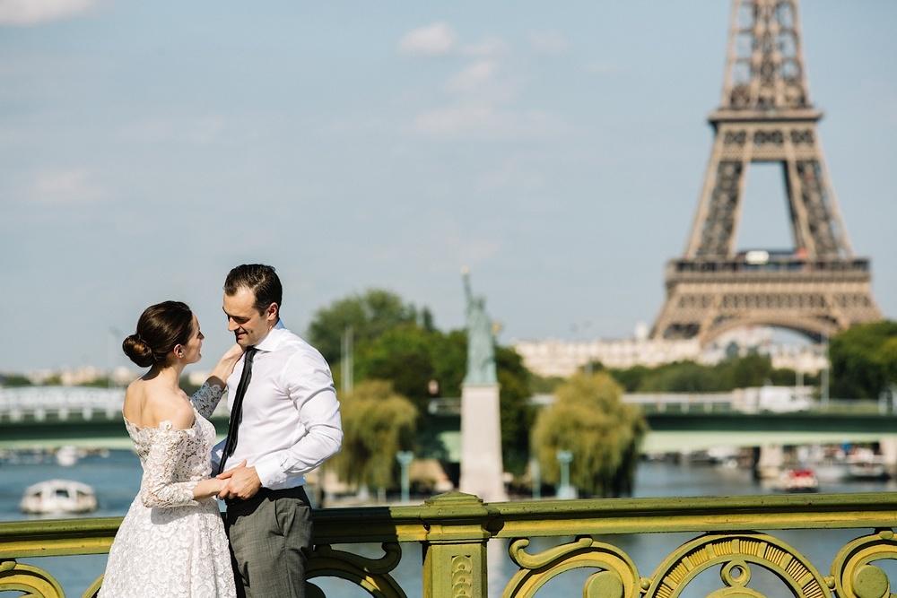 В Париже есть своя статуя Свободы