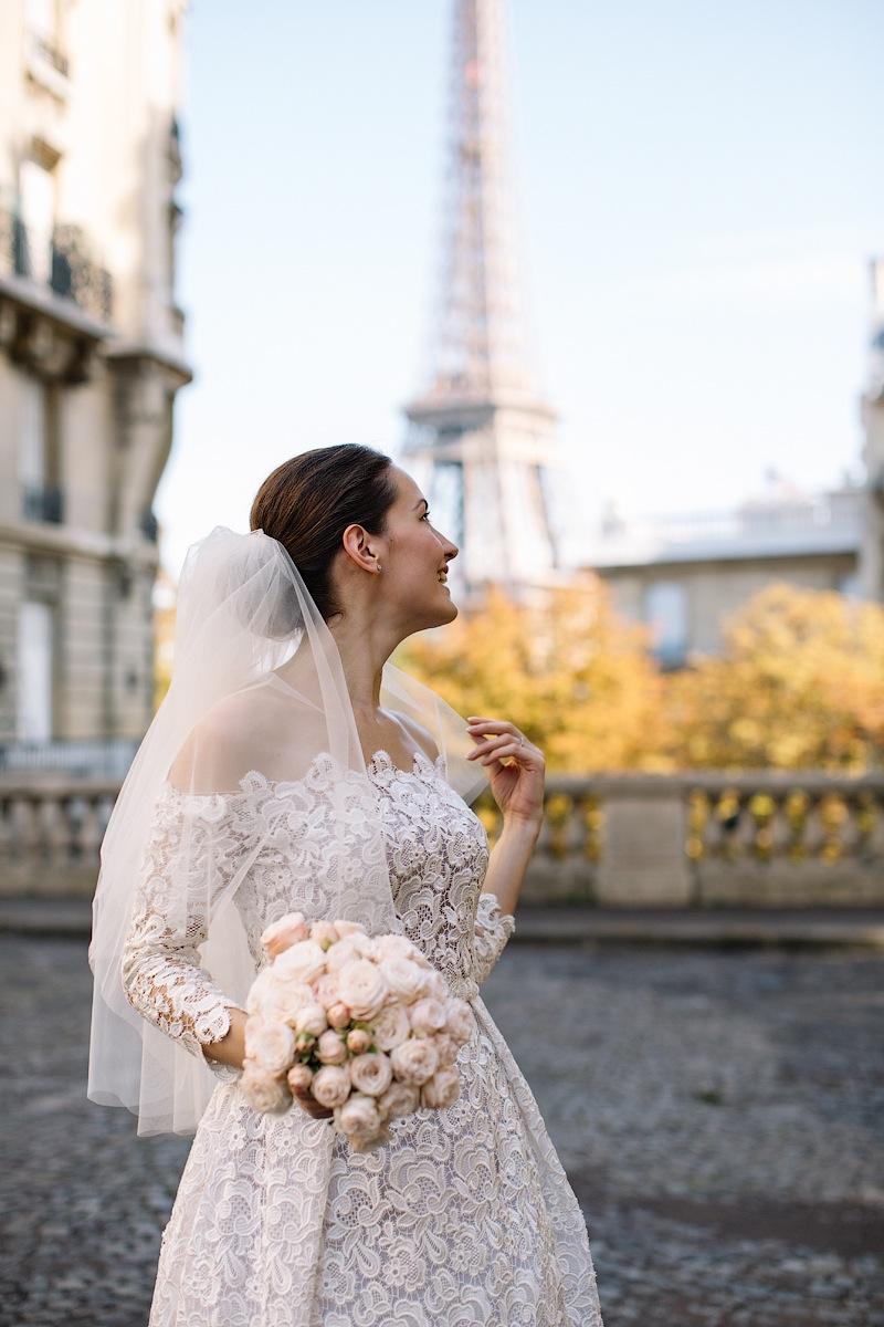 Красивый букет для свадьбы в Париже