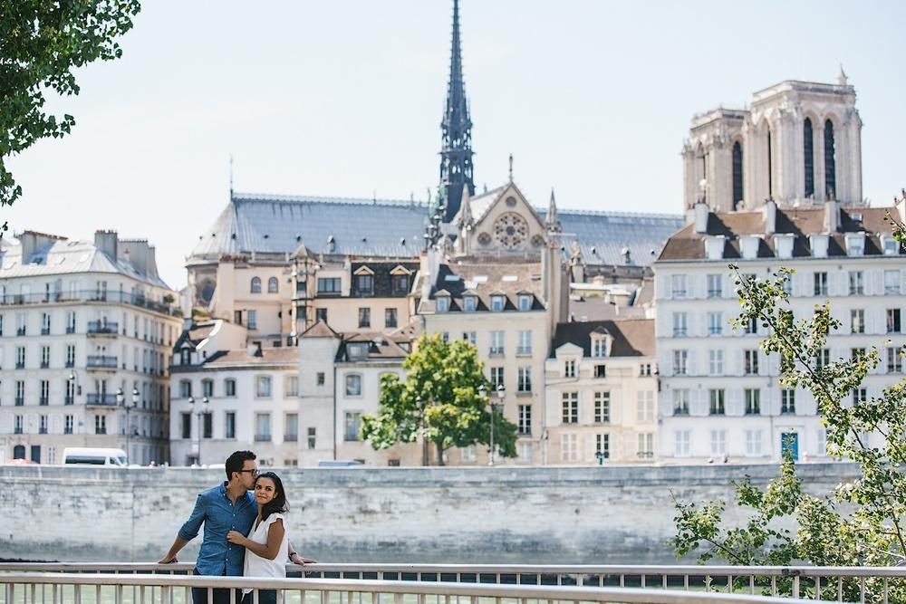 LOVE-STORY IN PARIS