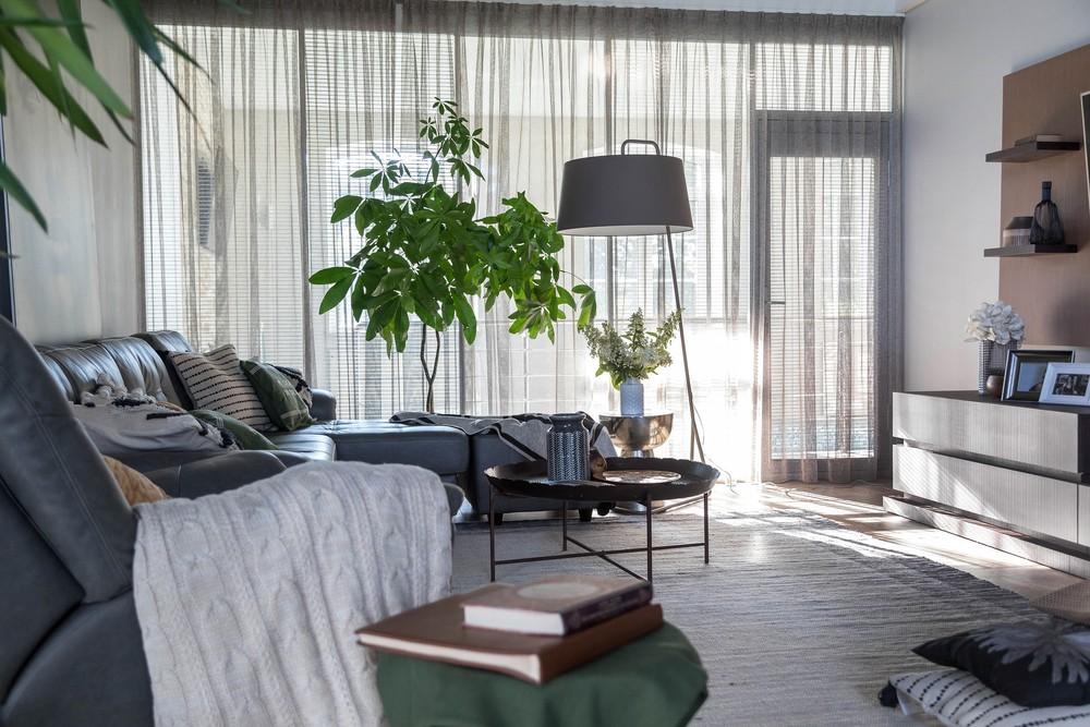 Мария Шубина гостиная дизайн интерьер дом коттедж диван ковер декор