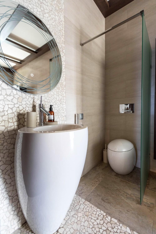 Мария Шубина, дизайн санузла, туалет, ванная, раковина ступа, круглое зеркало