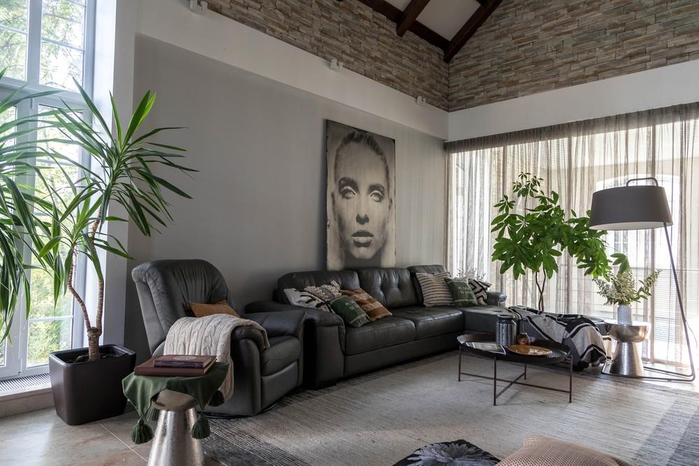 Мария Шубина, дизайн интерьера, дизайнер, гостиная, диван, ковер, декоративные подушки, торшер
