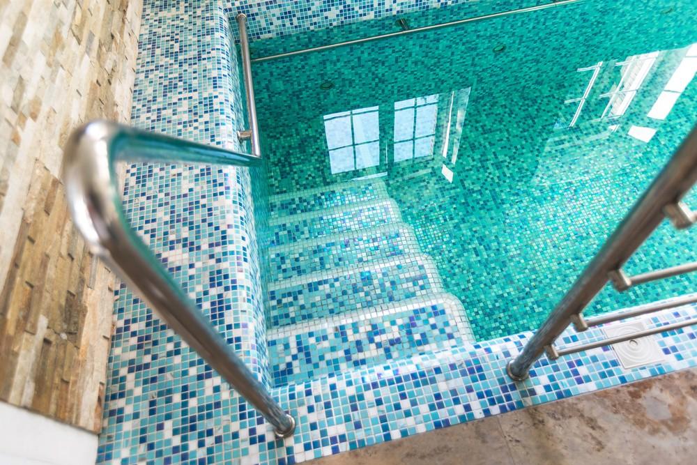 Мария Шубина, дизайн интерьера, бассейн, коттедж, дом, мозаика для бассейна