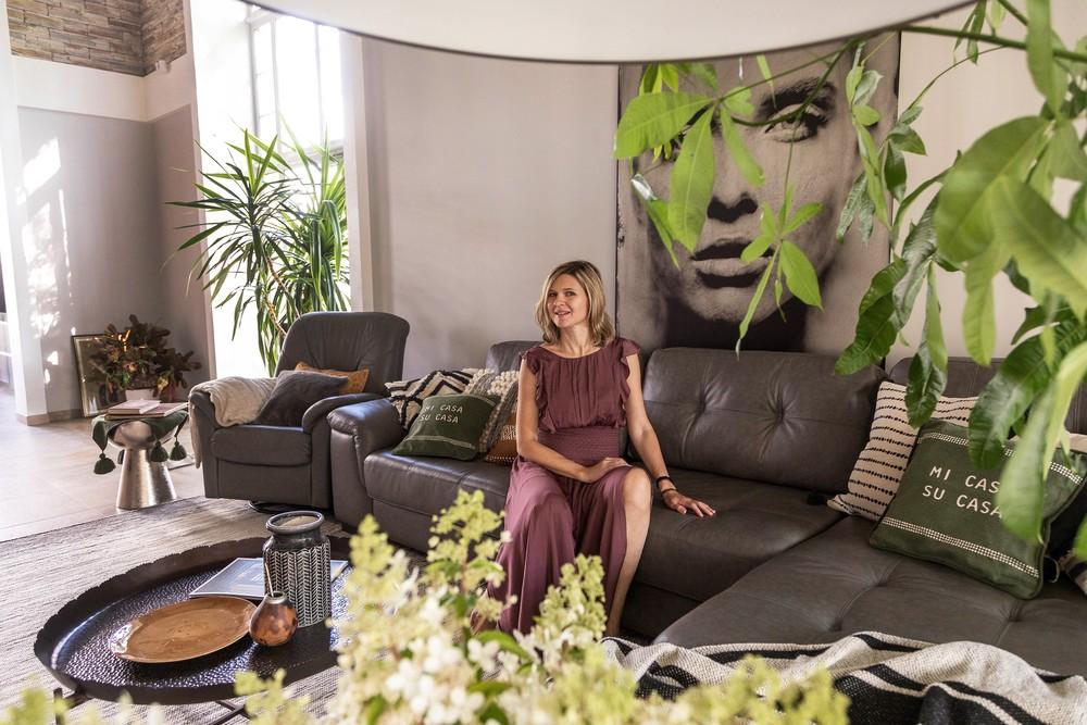 Мария Шубина, гостиная, диван, фитодизайн, декор, декоративные подушки, загородный дом