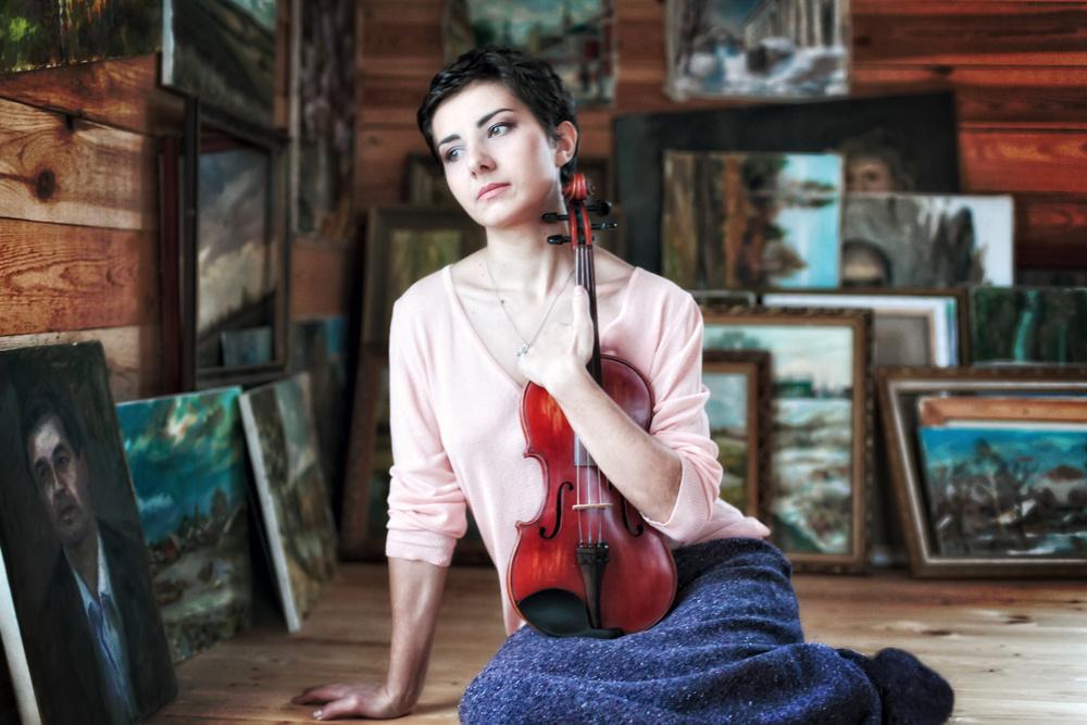 девушка модель портрет скрипка