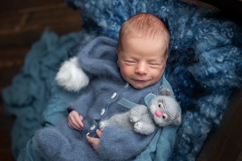 фотосъемка новорожденных в реквизите