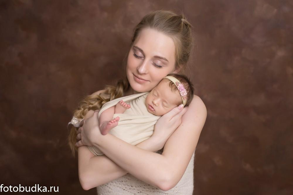 новорожденный с мамой Юлия Абдулина фотограф новорожденных
