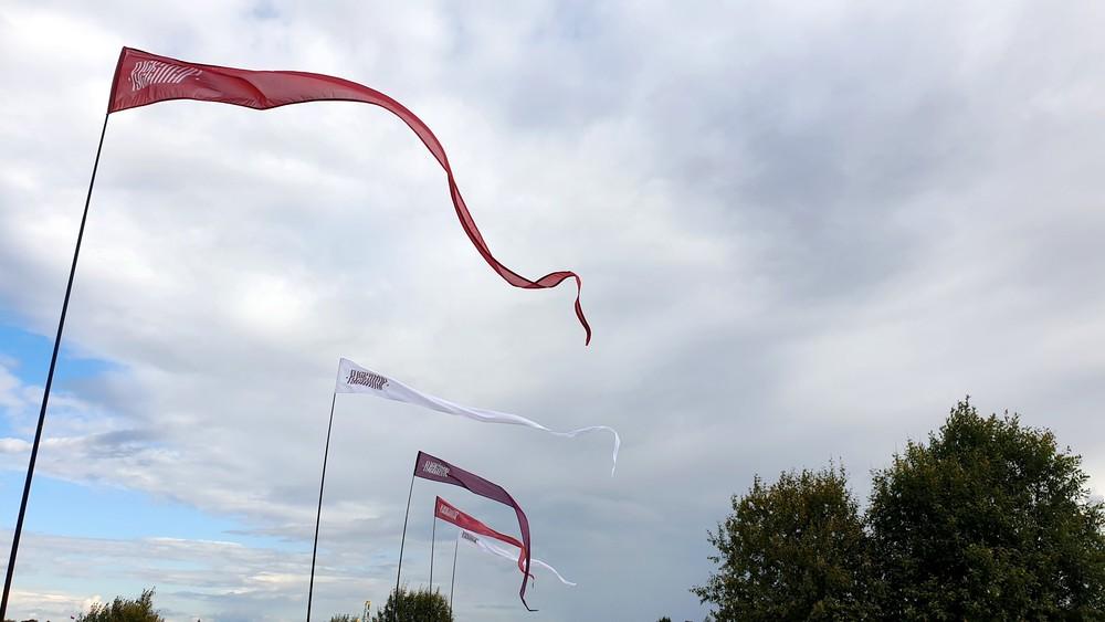 аренда флагов, прокат флагштоков, флаги снэйки