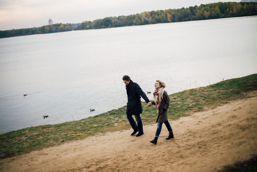 Леня и Марина, осенняя прогулка