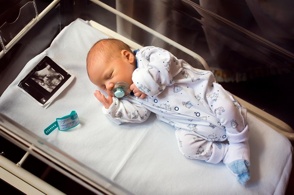 выписка из роддома, лапино, пмц, фотограф на выписку, новорожденный