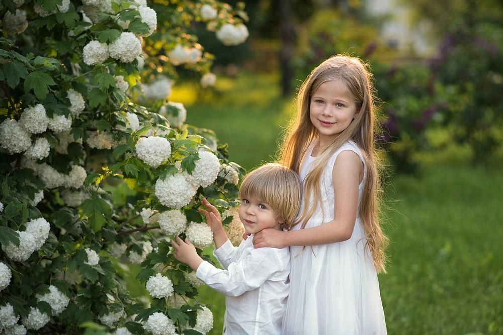 фотосессия, в цветущем, саду, москва, коломенское, фотограф, яблоневый, парк, детская, дети, вднх