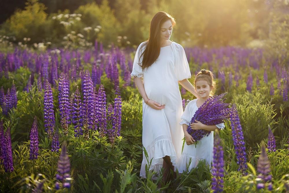фотосессия в люпинах, беременность, в ожидании, семейный фотограф, москва, анна орлова