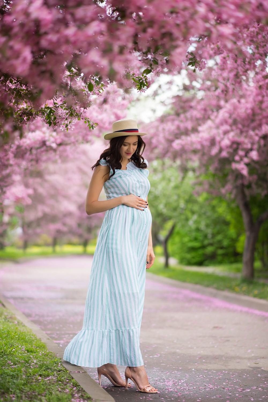 фотосессия, беременности, в цветущем яблоневом саду, москва, екатерининский парк
