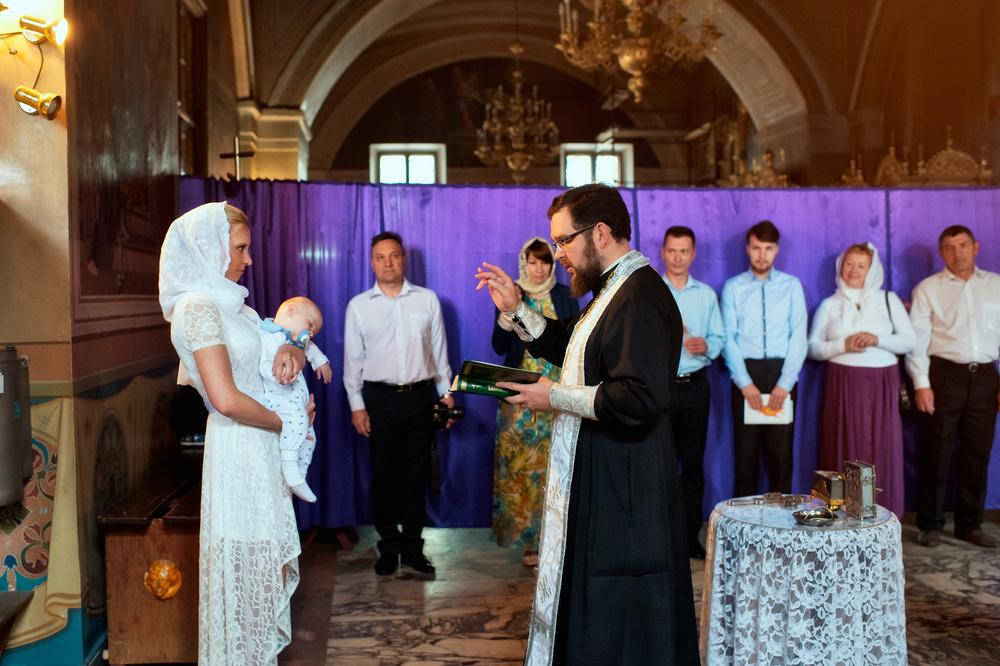 крещение в Храме Воскресения Словущего в Даниловской слободе
