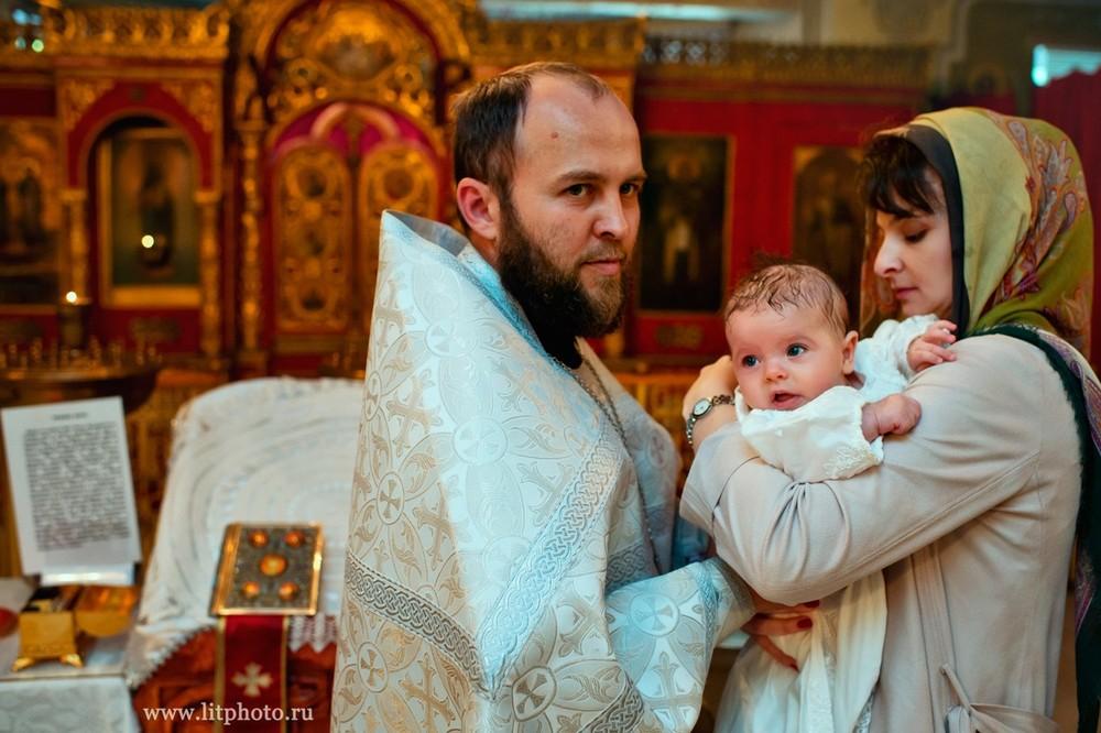 фото с крестин в церкви в тропарево