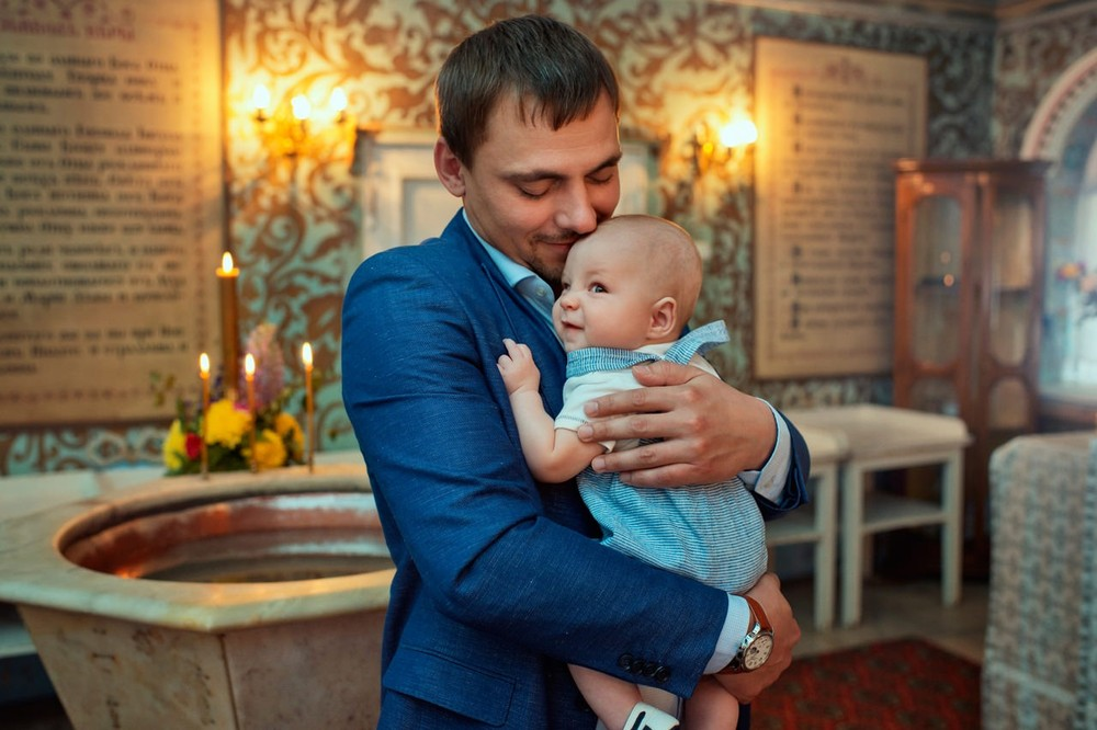 Крещение в Храме Игоря Черниговского в Переделкино. Фотограф на крещение