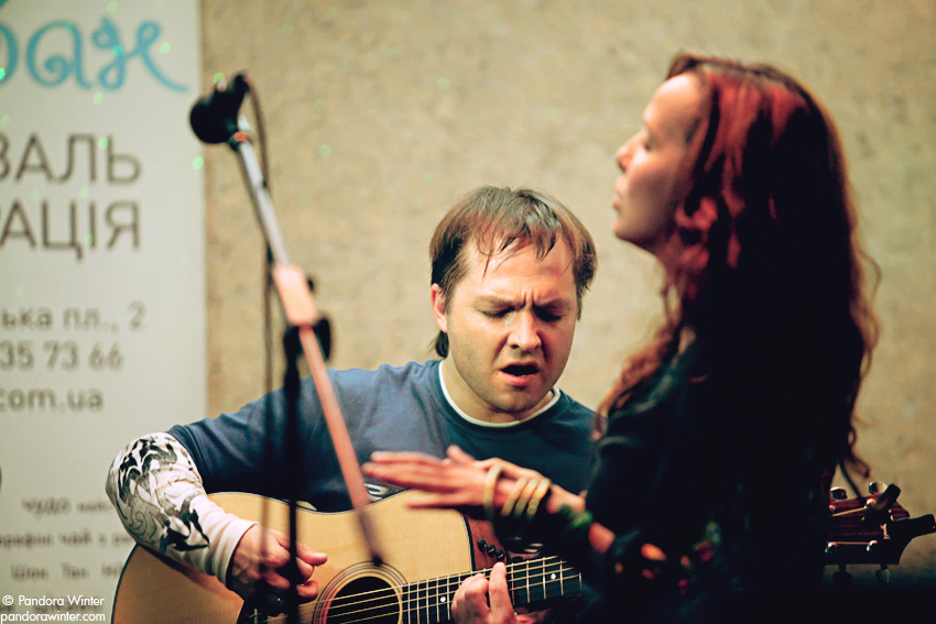 Маша и Медведи, аккустика @ Диван, Киев, 2011-06-19