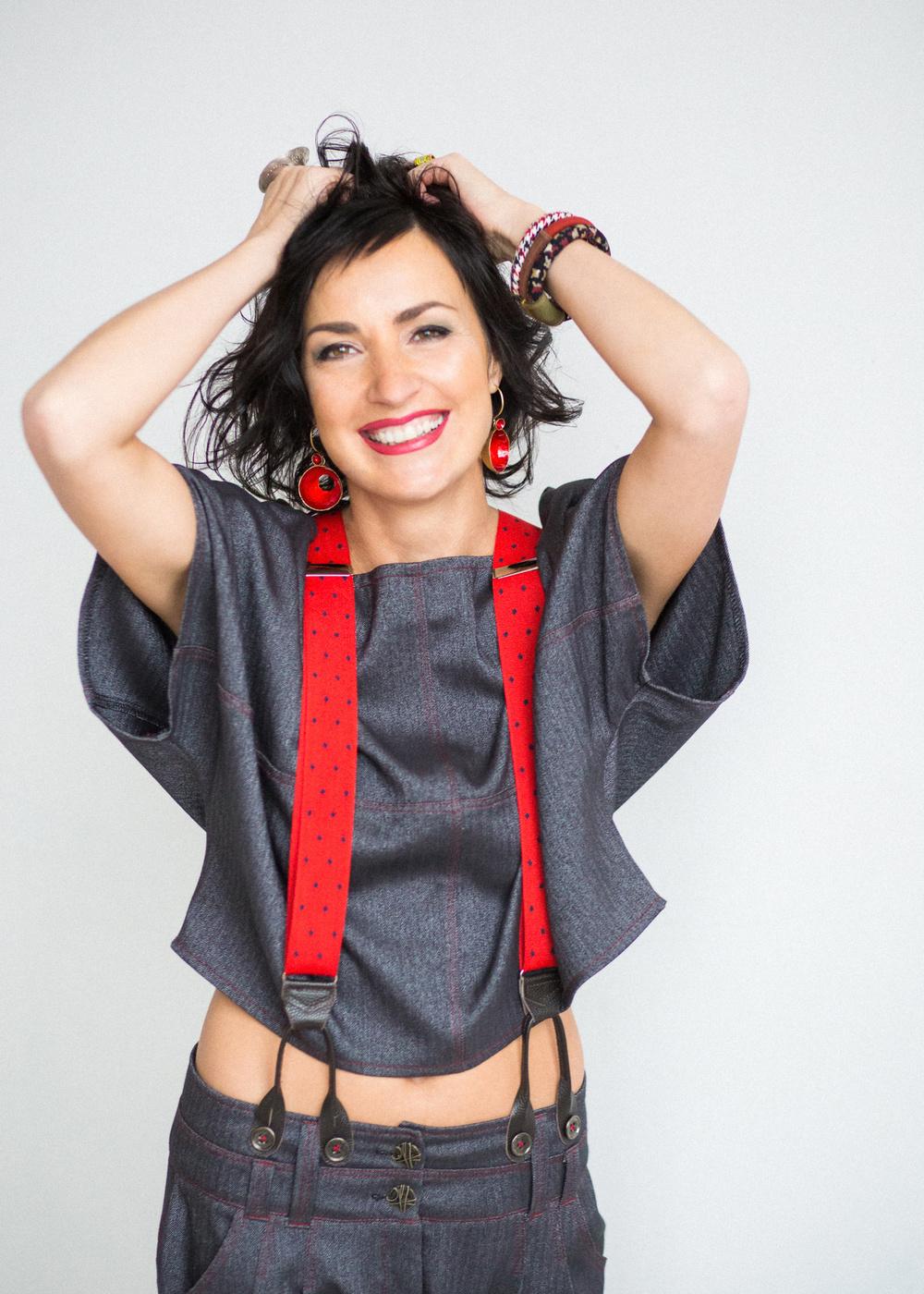 Лена Рузова. Шляпки, серьги, подтяжки, страсть и жизнь-жизнь-жизнь!)