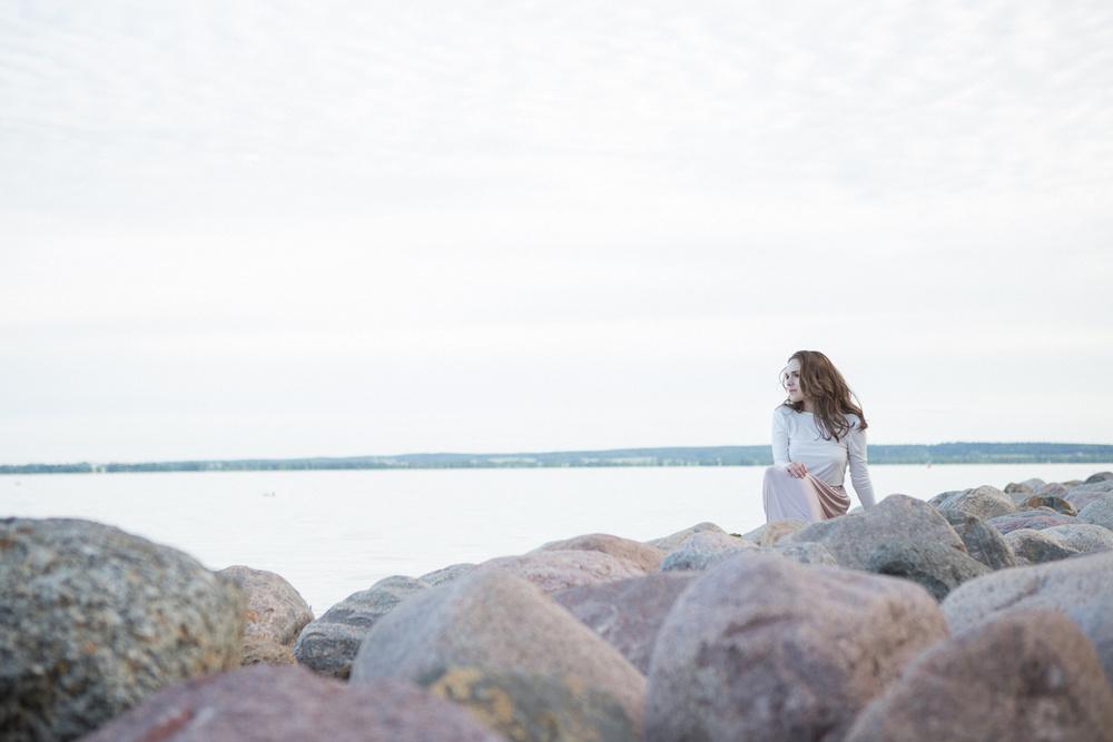 Небо, рассвет, девушка) Полина