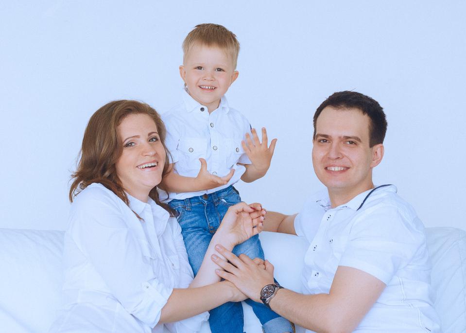 Малыш Егорка, Ира и Антон