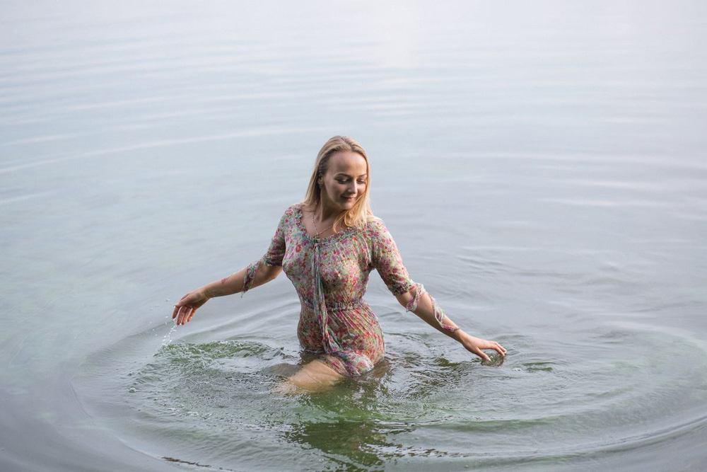 Настя и вода