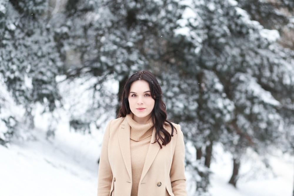 Полиночка, снег и сапоги, которые так и остались за кадром)