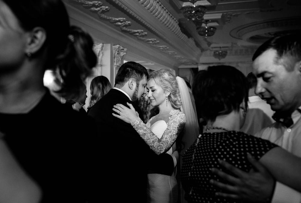 Зимняя свадебная фотосессия в парк-отель Волынское