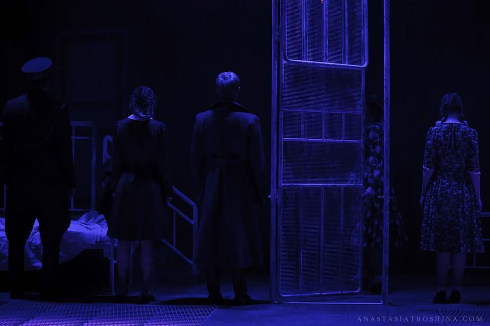 Экспериментальная сцена Театра Российской Армии, премьера спектакля Что с тобой теперь?