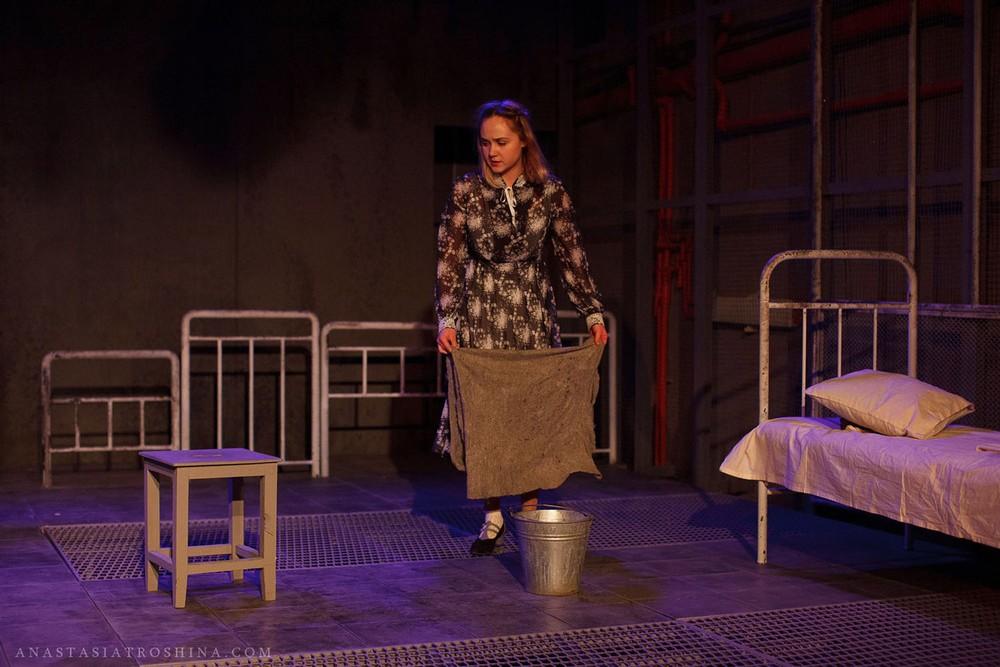 Елизавета Мазалова, премьера спектакля Что с тобой теперь?