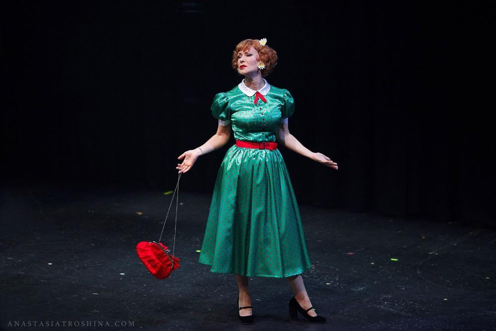 Нонна Гришаева в спектакле Люся. Признание в любви.