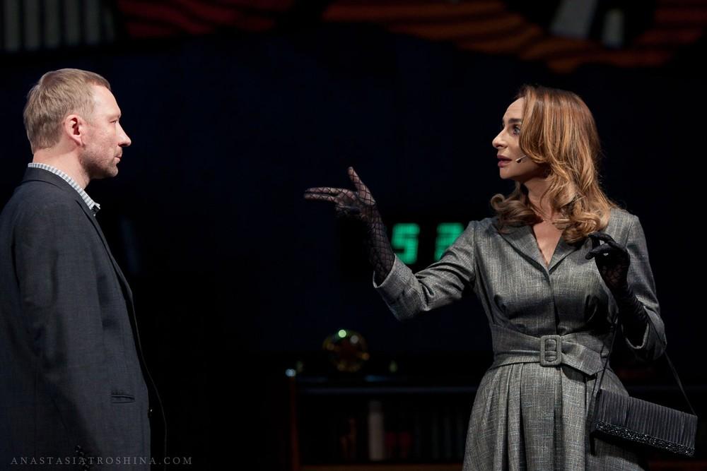 Екатерина Варнава, Дмитрий Куличков, спектакль Бэтмен против Брежнева