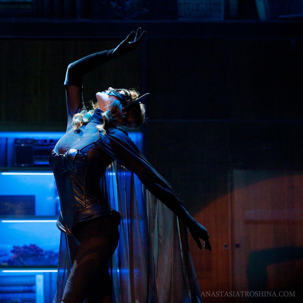 Лина Миримская, спектакль Бэтмен против Брежнева