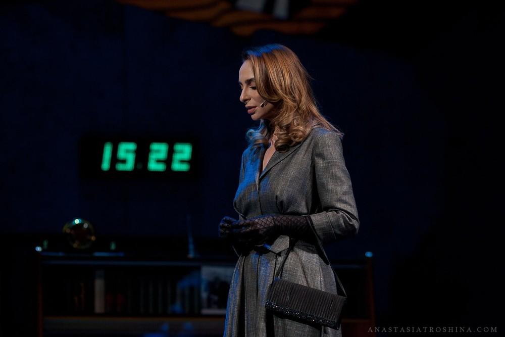 Екатерина Варнава, спектакль Бэтмен против Брежнева