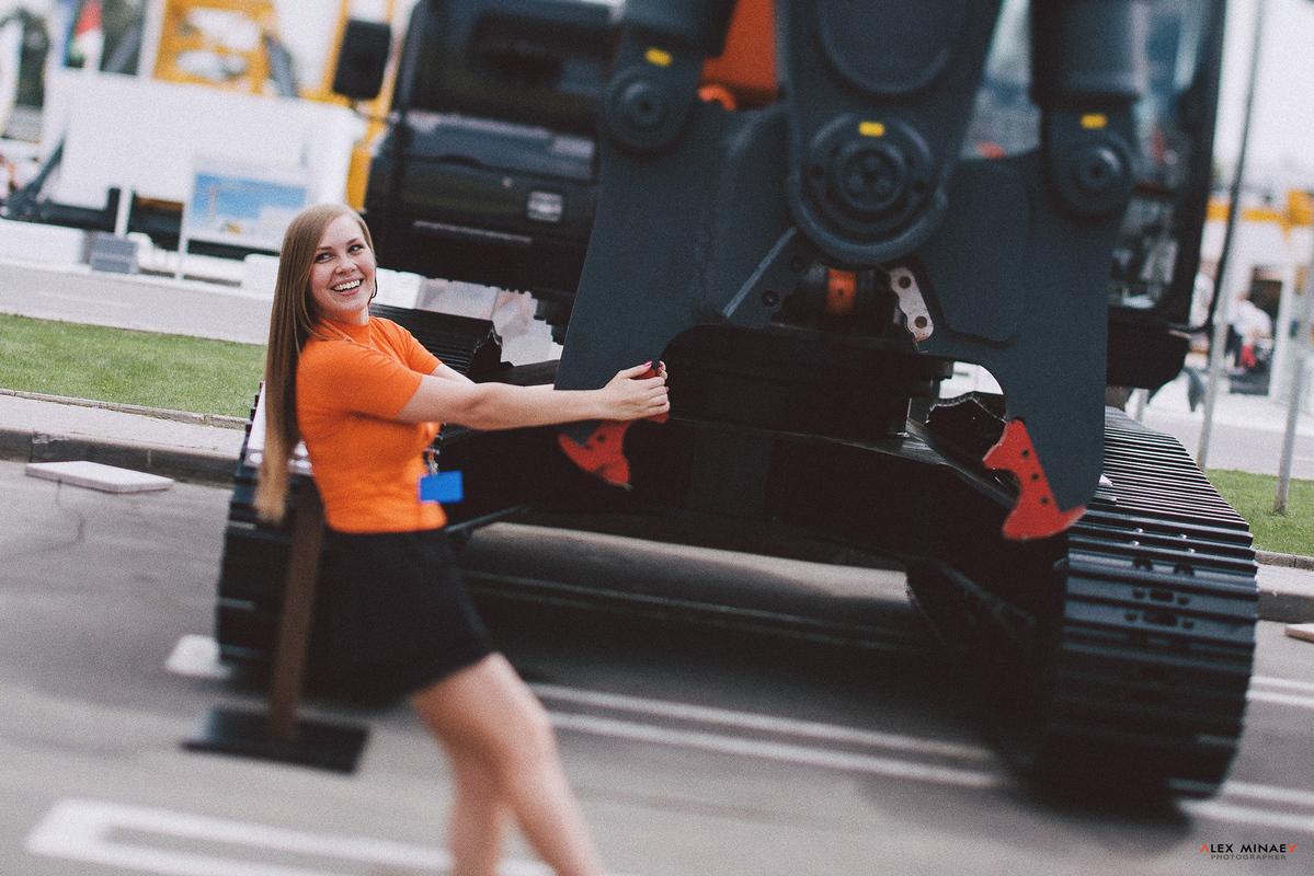 Ирина и HITACHI | Москва