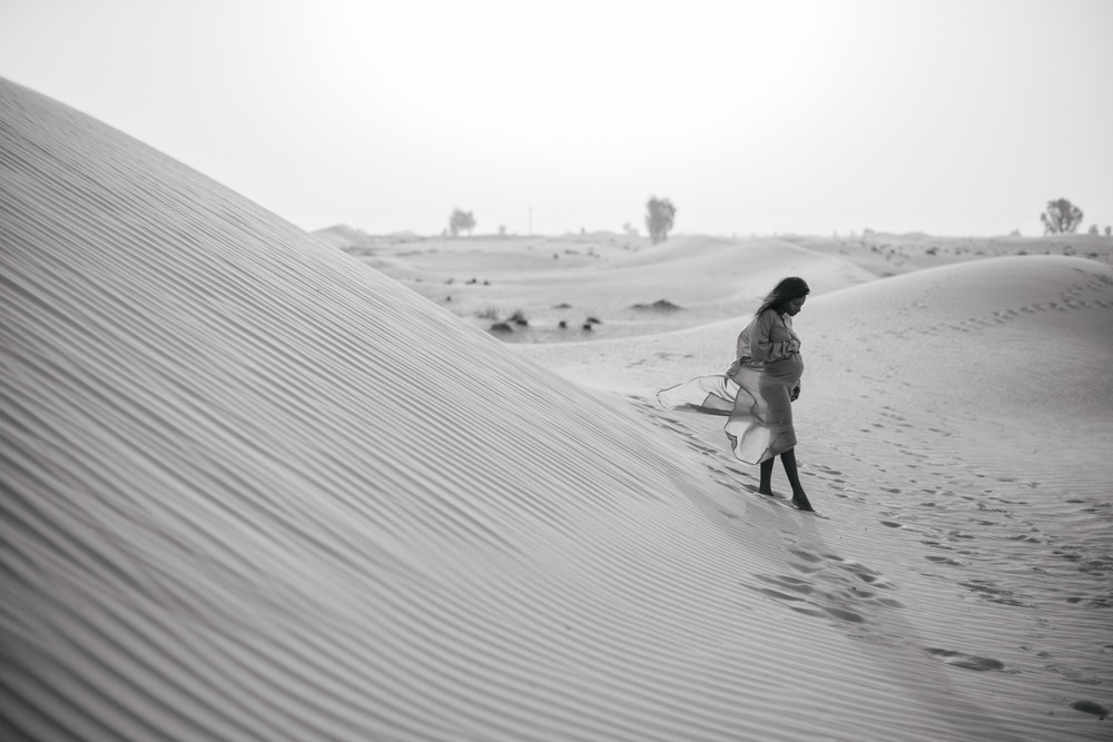 Mirabella. Dubai desert photoshoot