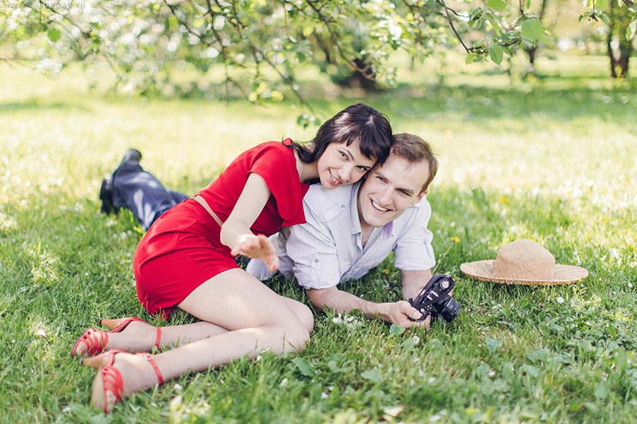 Саша и Женя в теплом июне
