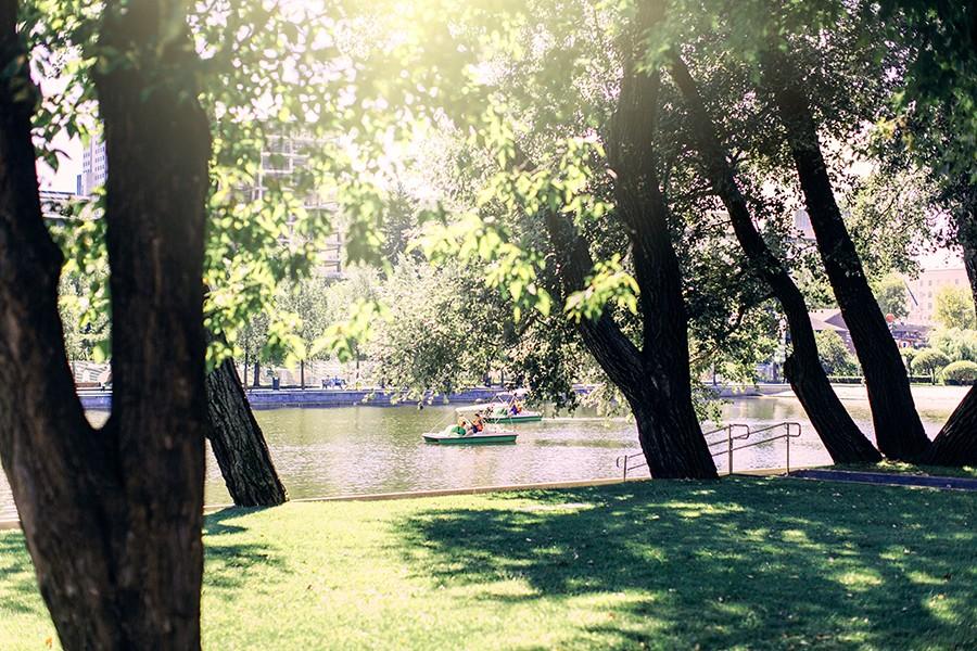 Прогулка в парке горького
