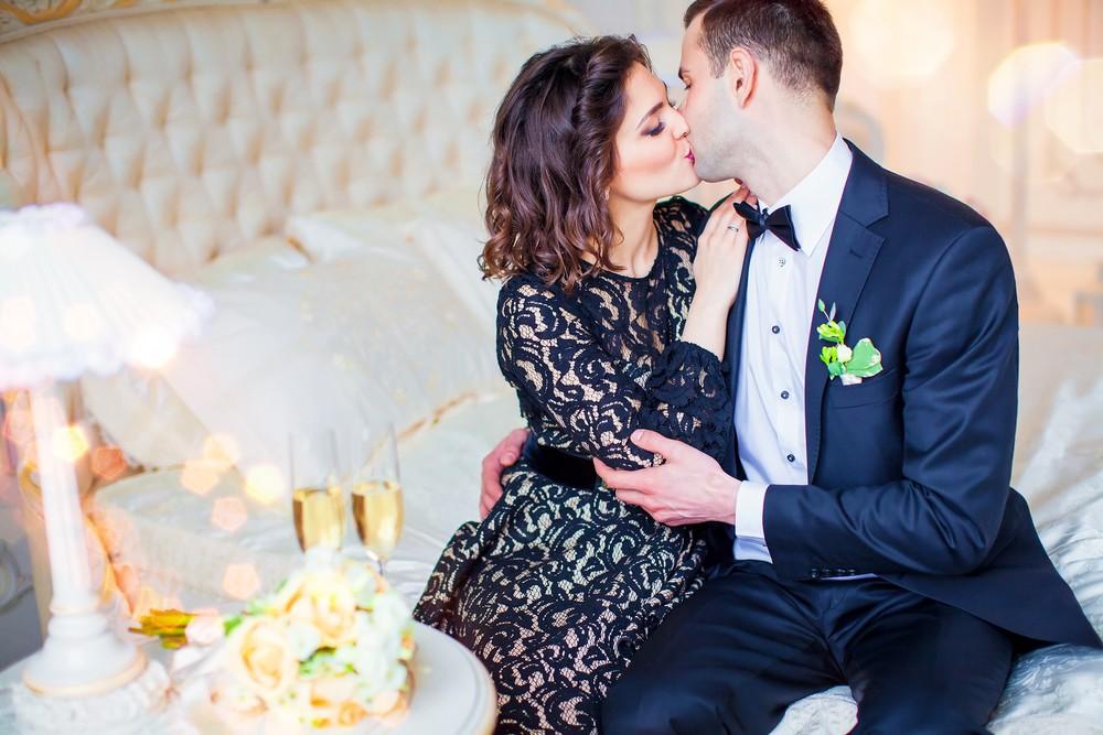 Свадебная фото сессия в студии от Татьяны Поповой для влюблённых