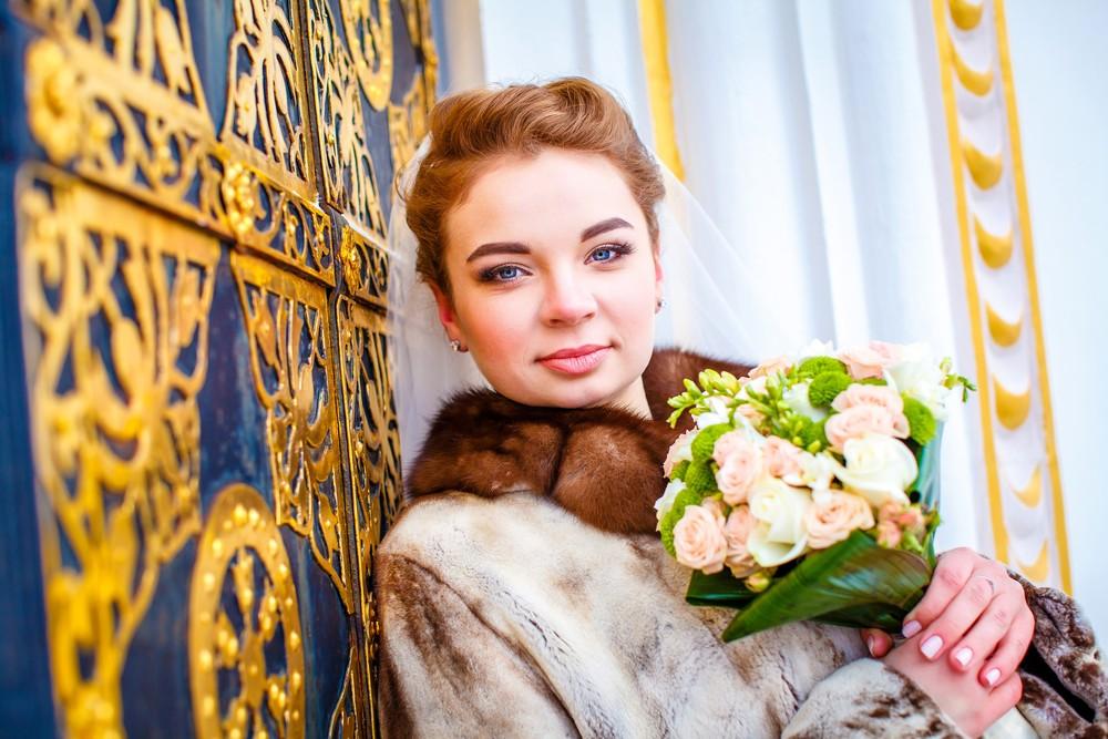 Зимняя свадебная фото сессия от Татьяны Поповой у собора