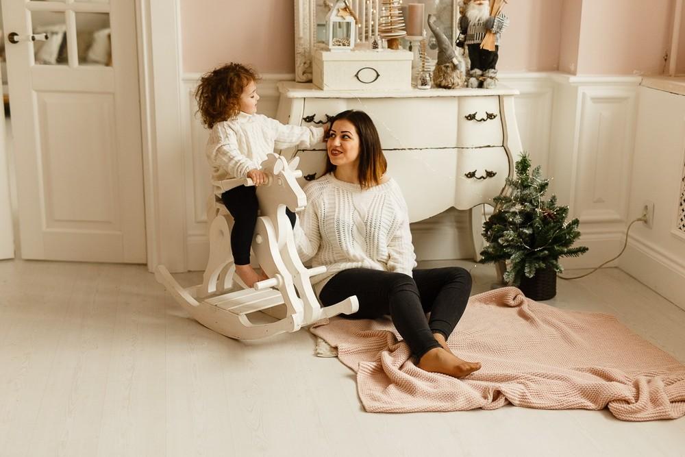 Мама с дочкой в студии