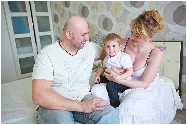 Сережа, Олеся, Ваня и Маша дома.