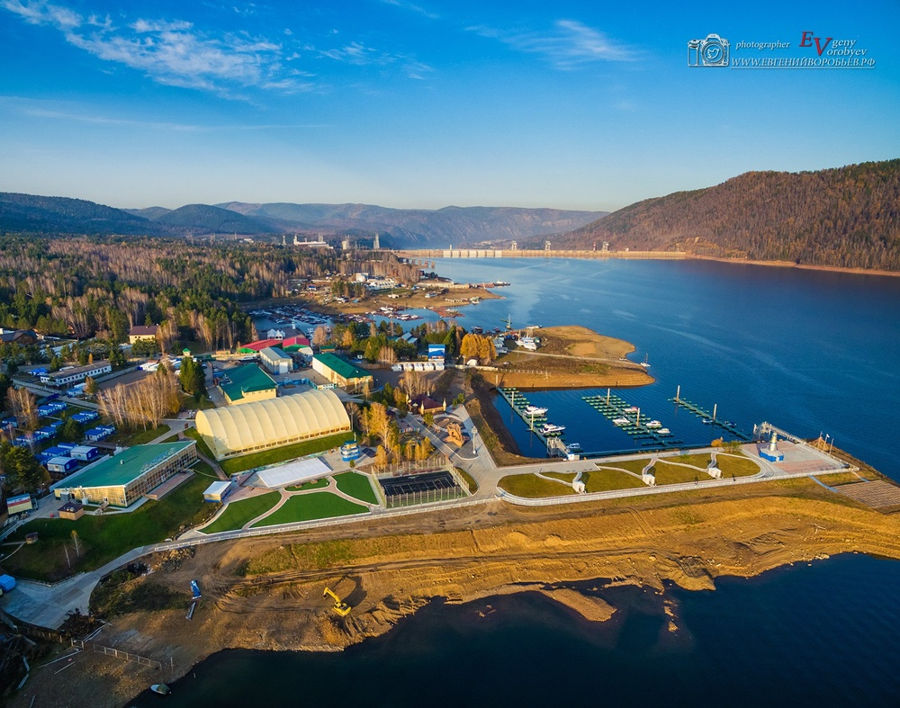 фото Красноярска высоты море Шумиха квадрокоптер ГЭС плотина