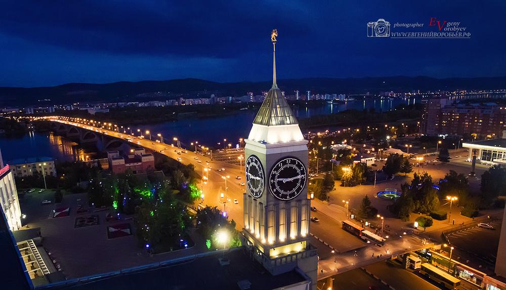 Аэросъемка съемка с квадрогоптера город Красноярск мост фото видео театральная центр Енисей