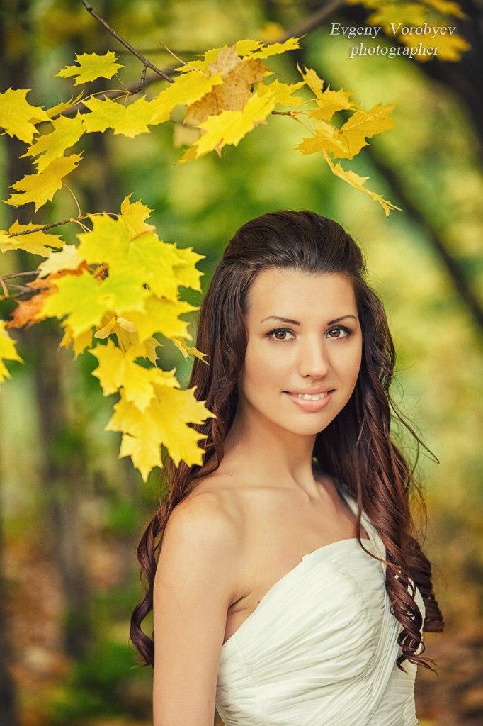 Осенняя свадьба свадебный фотограф Красноярск  фотосессия места невеста академгородок парк природа